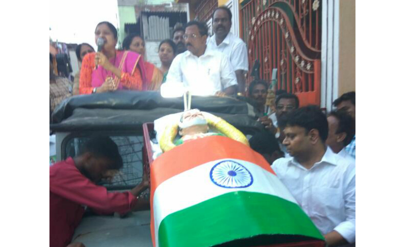 O Panneerselvam's rally in Chennai with the Jayalalithaa in the coffin.