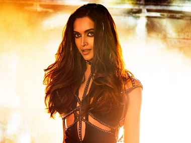 Deepika Padukone, not Varun Dhawan, to be seen as protagonist in Badlapur 2?