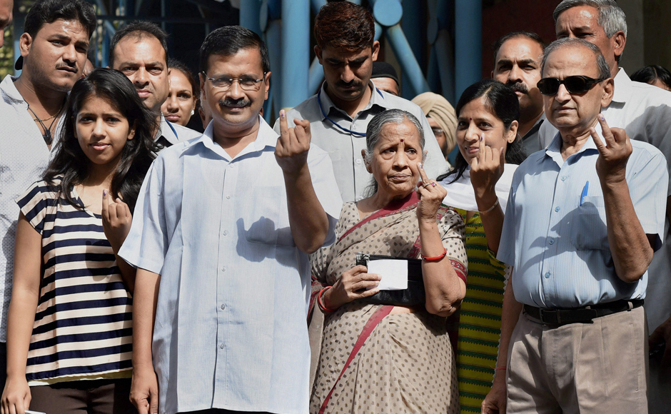 MCD Election 2017: Arvind Kejriwal, Manish Sisodia and Harsh Vardhan among early voters