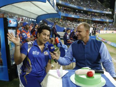 IPL 2017: Sachin Tendulkar celebrates birthday at Wankhede as thousands sing 'happy birthday'