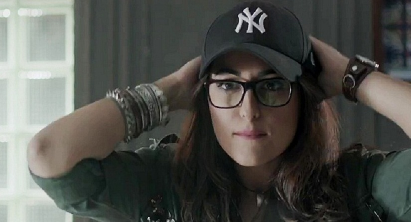 Noor quick review Sonakshi Sinha as a journalist is lovable but flippant