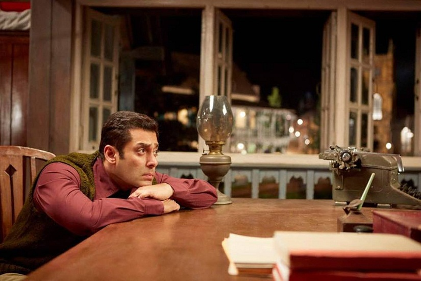 Tubelight Salman Khan has a blast with costars Zhu Zhu Sohail Khan in behindthescenes video