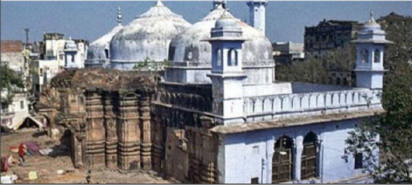 Gyanvapi Mosque built in 1669 CE by Aurangzeb on top of the great Vishveshwar temple