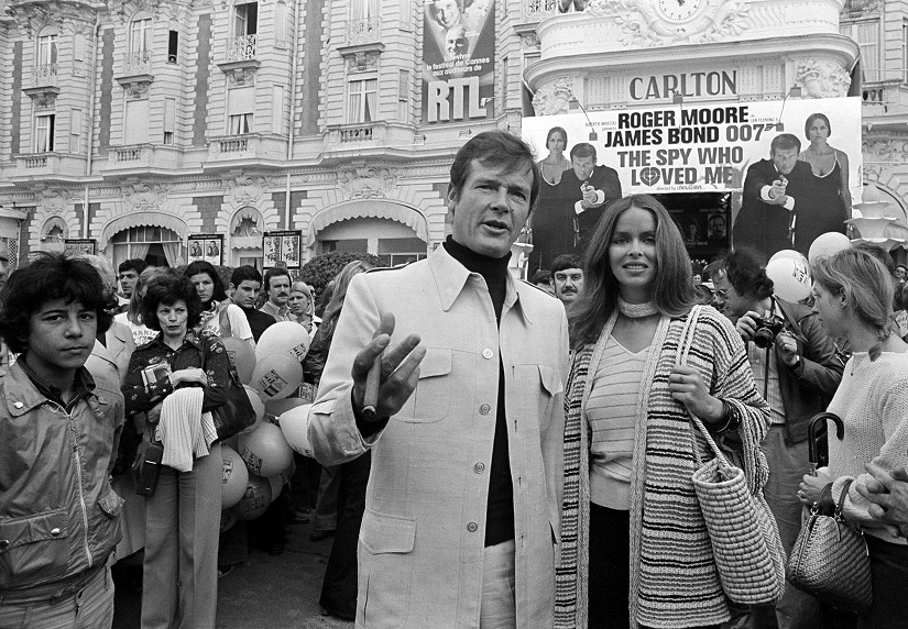Roger Moore dead at 89 Weve lost not just the suavest James Bond but also a great actor