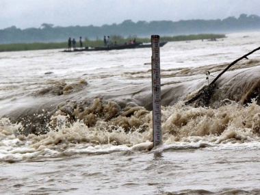 Sri Lanka 23 killed as flash floods and landslides hit island nation
