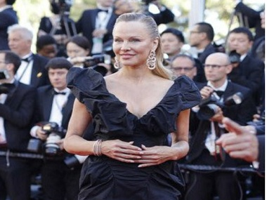 Pamela Anderson in Cannes 2017 Image Courtesy: Twitter