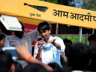 Kumar Vishwas decides to stay with AAP: Here's why Arvind Kejriwal was quick to address his concerns