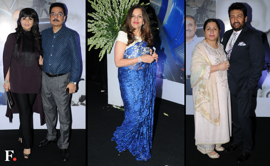 Neeta-Lulla-with-husband,-Sangeeta-Zindal,-Shekhar-Suman-with-wife