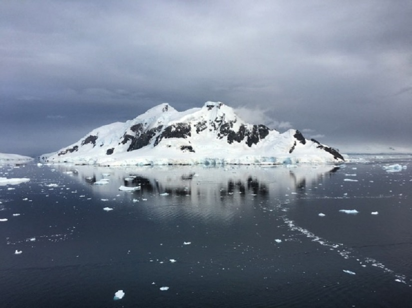 The mountains of the Antarctic Peninsula are a continuation of the Andes range. Their bases are submerged well below sea level.