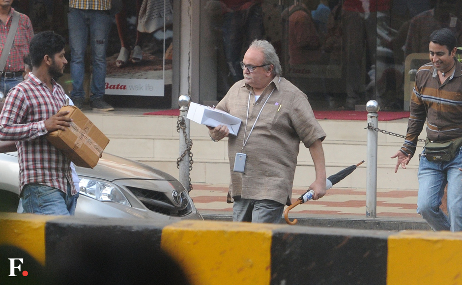 Photos: Rishi Kapoor and Amitabh Bachchan's body double shoot for upcoming 102 Not Out