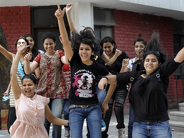 Tamil Nadu SSLC Class 10 2017 results Girls outshine boys check marks at tnresultsnicin