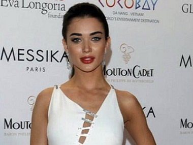 Cannes 2017: Amy Jackson opts for Versace on red carpet; to unveil promo of Boogie Man