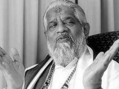Godman Chandraswami cremated in New Delhi, VIPs remain absent