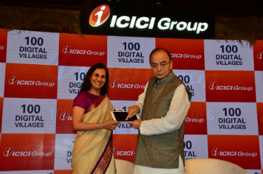 Chanda Kochhar, CEO & MD, ICICI Bank with Arun Jaitley, Union Finance Minister