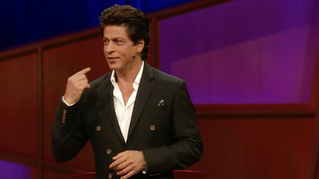 Shah Rukh Khan relives his childhood days with kids