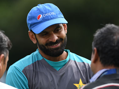 Pakistan's Mohammad Hafeez attends a nets practice session at Edgbaston cricket ground in Birmingham, central England, on May 31, 2017, ahead of their forthcoming ICC Champions Trophy cricket match against India. / AFP PHOTO / Paul ELLIS