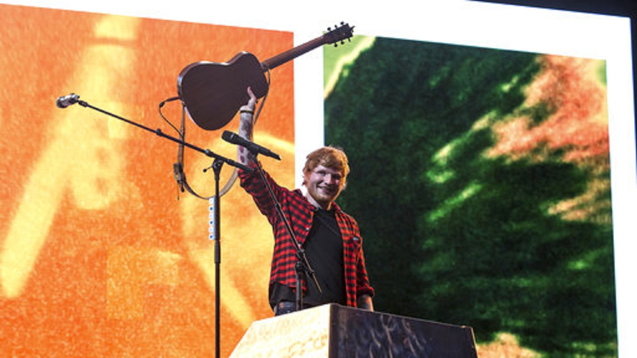 Ed Sheeran says Shah Rukh Khan 'biggest' in Bollywood