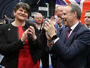 UK Election 2017 Theresa Mays party nears deal with DUP to form minority govt