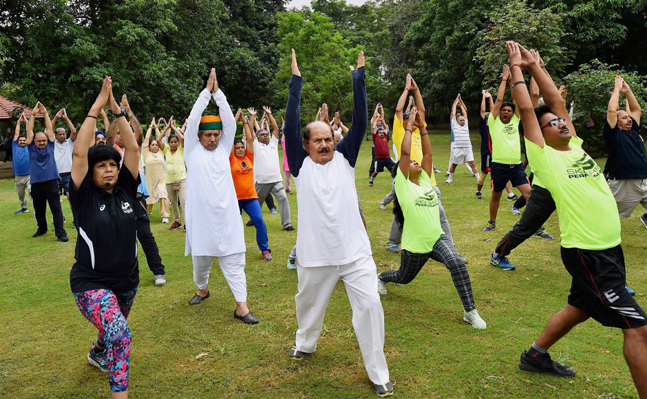 International Yoga Day 2017: Devendra Fadnavis Celebrates With Farmers' Children
