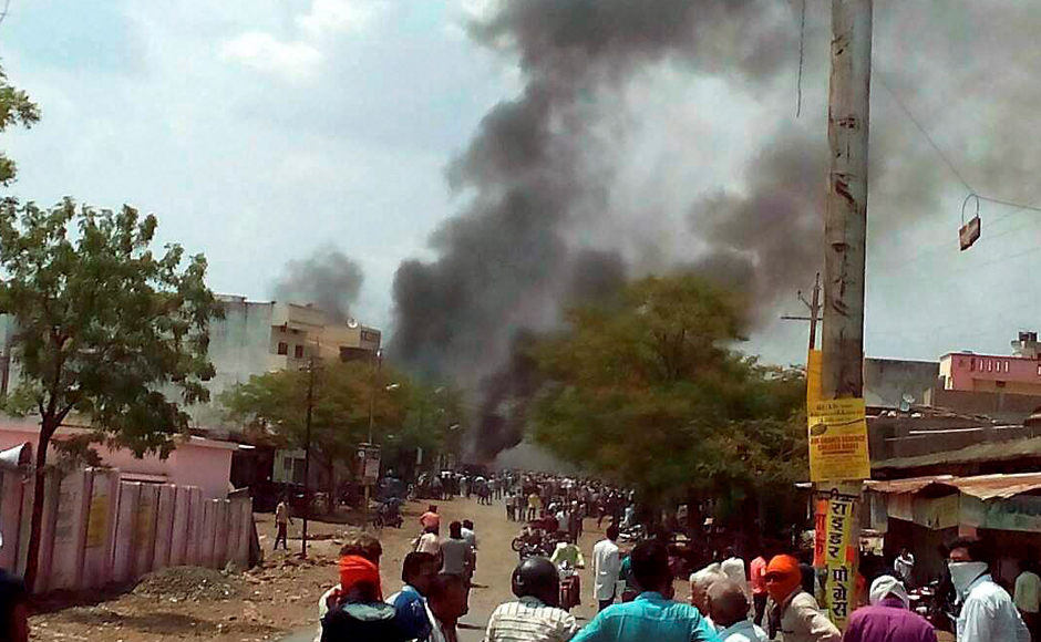 Madhya Pradesh farmers' protest continues on Day 8; vehicles, police stations torched