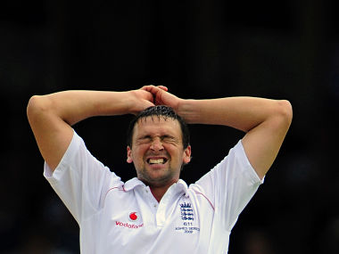 Steve Harmison of England reacts after he bowls during the fifth Ashes test cricket match against Australia at The Oval in London August 21, 2009. REUTERS/Toby Melville (BRITAIN SPORT CRICKET) - RTR26YSN