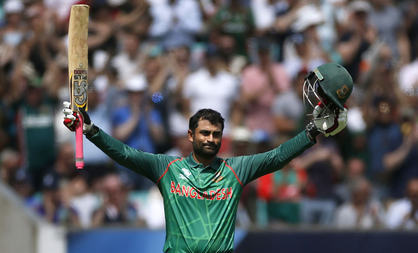 Britain Cricket - England v Bangladesh - 2017 ICC Champions Trophy Group A - The Oval - 1/6/17 Bangladesh's Tamim Iqbal celebrates his century Action Images via Reuters / Paul Childs Livepic EDITORIAL USE ONLY. - RTX38J0S