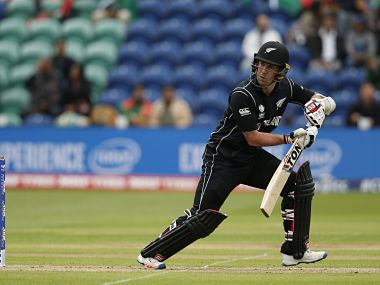 Britain Cricket - New Zealand v Bangladesh - 2017 ICC Champions Trophy Group A - Sophia Gardens - June 9, 2017 New Zealand's Luke Ronchi in action Action Images via Reuters / Andrew Couldridge Livepic EDITORIAL USE ONLY. - RTX39SYK