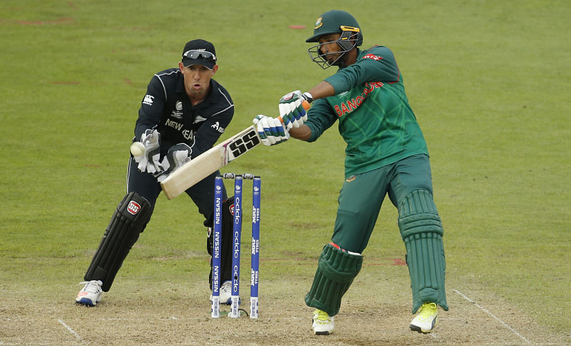 Britain Cricket - New Zealand v Bangladesh - 2017 ICC Champions Trophy Group A - Sophia Gardens - June 9, 2017 Bangladesh's Mahmudullah in action Action Images via Reuters / Andrew Couldridge Livepic EDITORIAL USE ONLY. - RTX39VLR