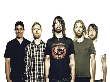 Foo Fighters surprise fans release new song Run after 2015