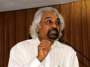 Sam Pitroda debunks 'Gujarat model of development', says only big corporates are favoured in state