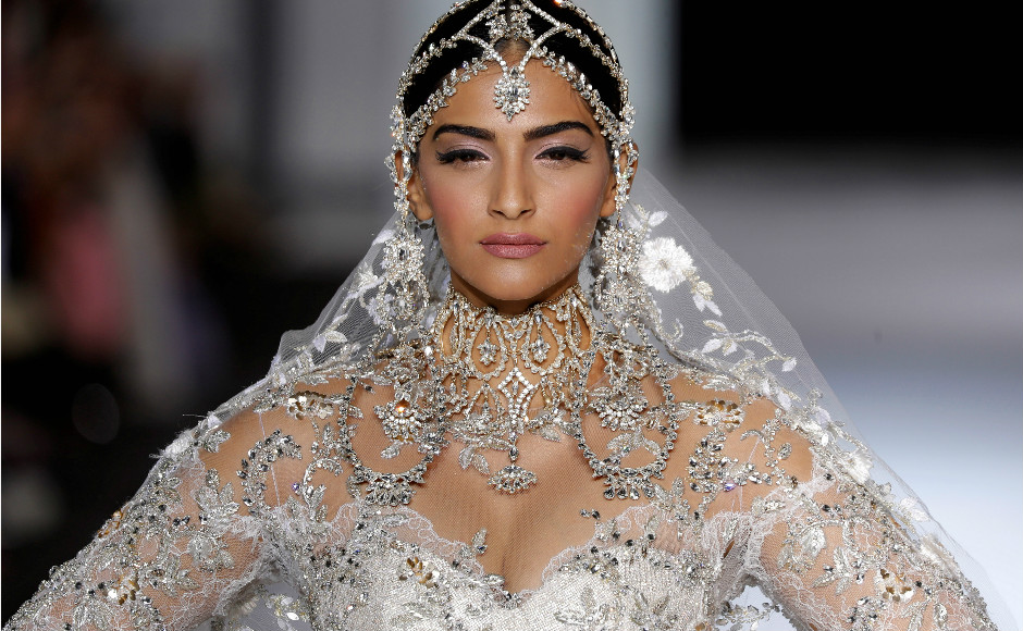 Sonam Kapoor Leaves Everyone Spellbound At The Paris Couture Week