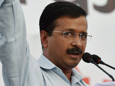 Arvind Kejriwal lauds e-rickshaw drivers, says Delhi needs battery-operated vehicles to reduce pollution