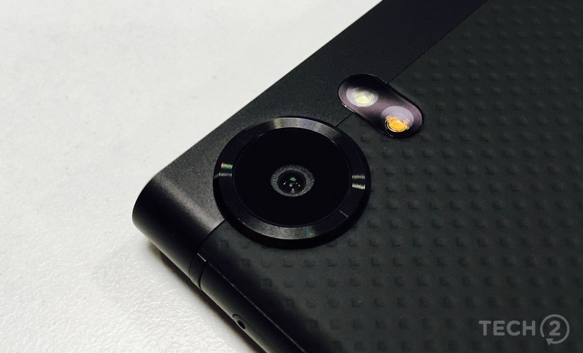 That camera comes from the Google Pixel.