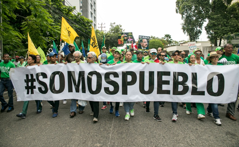 Thousands of Dominicans march against corruption, demand resignation of president Danilo Medina