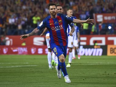 Lionel Messi extends Barcelona stay till 2021, buy-out clause reportedly set to €300 million