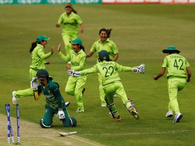 Pakistan's players celebrate a South Africa wicket. Reuters