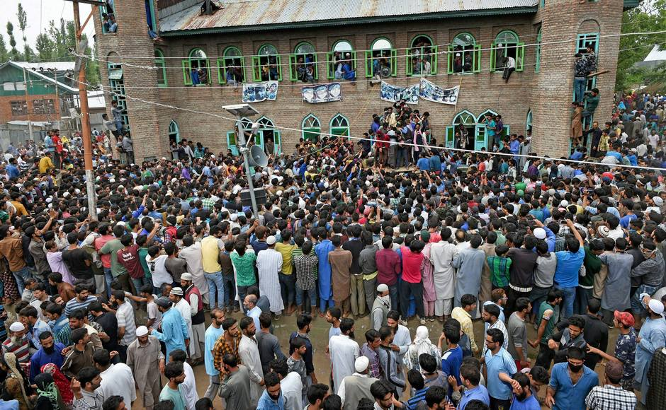 Pulwama encounter: Locals throng funeral prayer march of three slain Hizbul militants in Kashmir