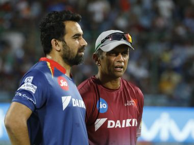 Zaheer Khan (L) and Rahul Dravid's expertise will aid India's performance in overseas tours. SportzPics/IPL