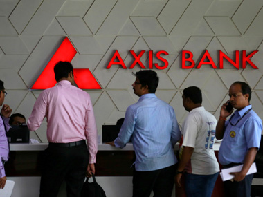 Axis Bank buys FreeCharge for Rs 385 cr Its the right price but sharp valuation fall a wakeup call for startups