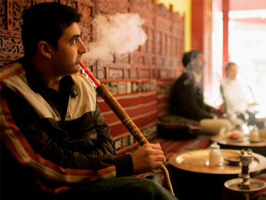 Pranab Mukerjee clears bill banning hookah bars in Gujarat with jail term up to three years