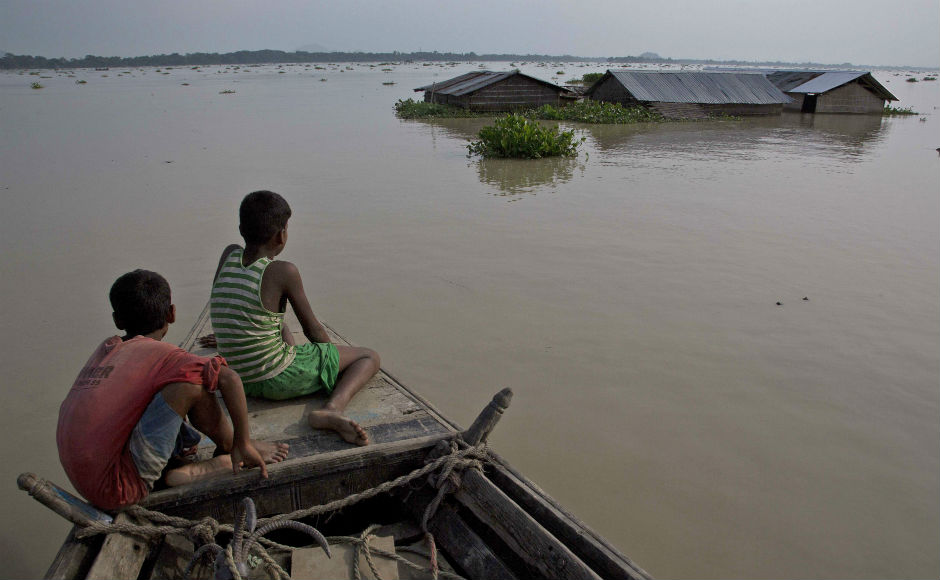 Thousands affected as floods ravage Bihar, Assam, West Bengal; Army called in to assist with relief ops