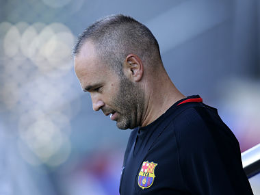 Champions League Barcelona captain Andres Iniesta returns to training ahead of second leg against Chelsea
