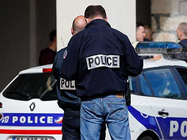 Knifewielding man in France kills one injures two people no clarity yet on whether attack was terrorrelated