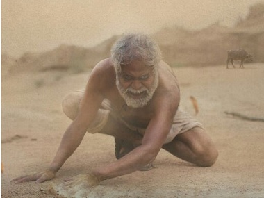 Kadvi Hawa movie review: Sanjay Mishra, Ranvir Shorey excel in this nuanced take on climate change