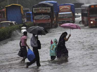 Heavy rains disrupt air services in Mumbai; six flights cancelled, 10 diverted