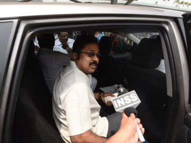 Dhinakaran calls AIADMK convening general council meeting invalid says only Sasikala has authority to do so