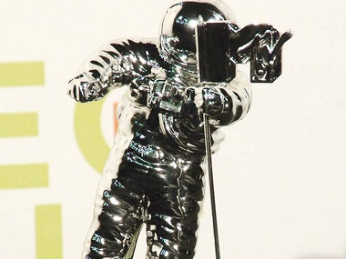 MTV VMAs 2017: Moonman trophy to be called Moon Person in continued gender neutrality efforts