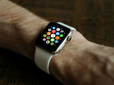 Apple to release smartwatches which can make calls.
