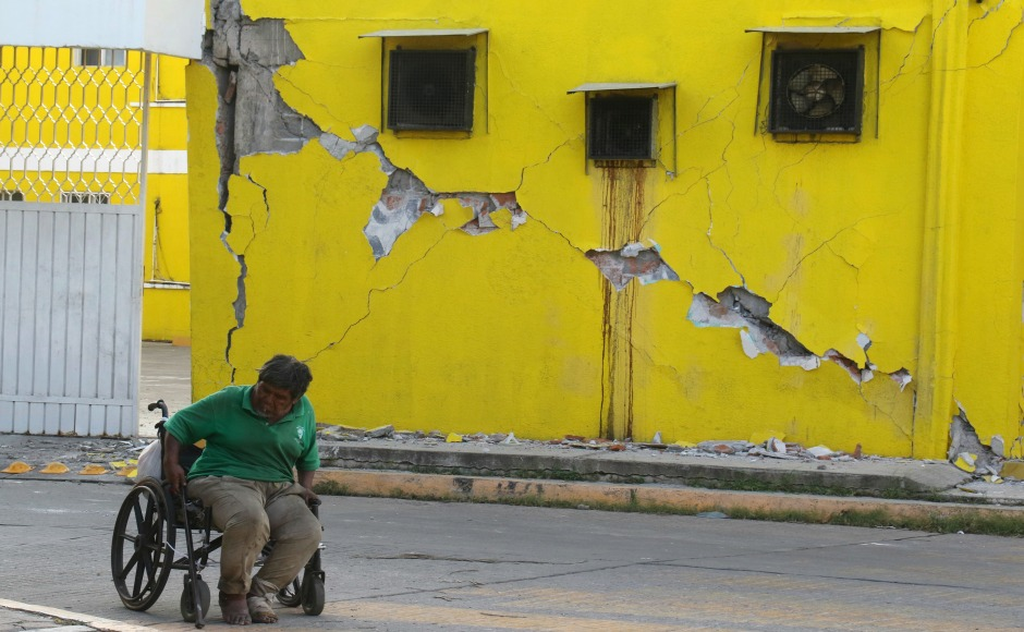 Mexico earthquake kills 32, 50 million people affected by calamity