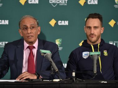 CSA chief executive Haroon Lorgat (L) and South African captain Faf du Plessis (R). AFP
